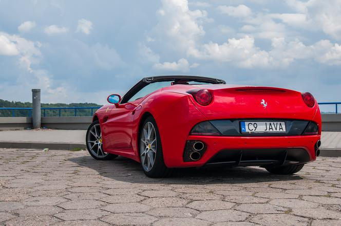 Ferrari California 4.3 490 KM 7AT