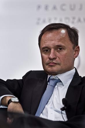 Leszek Syrenaky. In the last ten years, it lost 5 billion