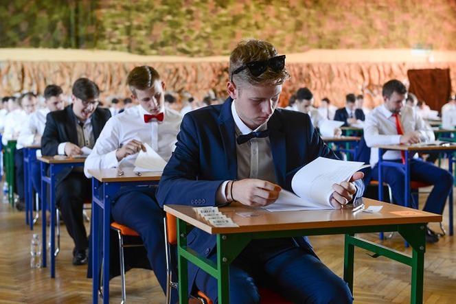 Międzynarodowa matura 2020 odwołana! Co z pozostałymi egzaminami? - ESKA.pl