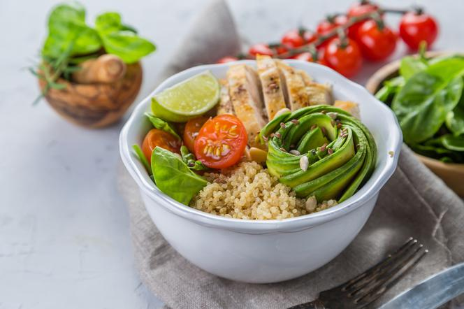 Przepisy Na Dietetyczne Salatki Z Kurczakiem Jajkiem Tunczykiem