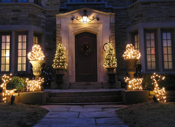 świąteczne Oświetlenie Domu Na Zewnątrz Na Co Zwrócić Uwagę