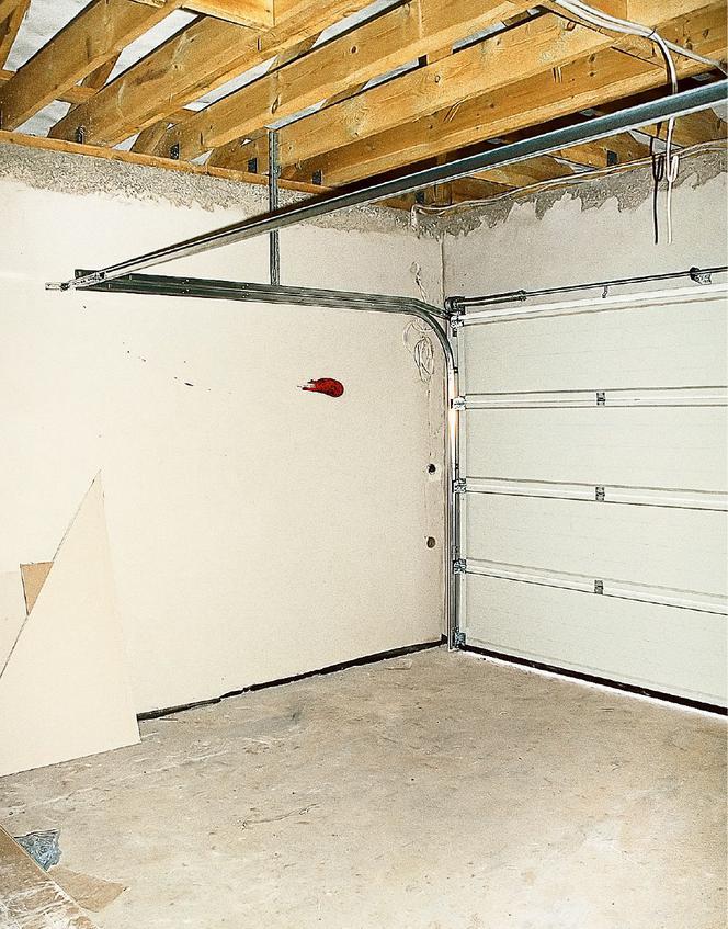 Oryginał Wymiana starej bramy garażowej: instrukcja z galerią zdjęć ZQ67