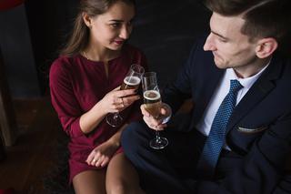 Dlaczego nie powinieneś próbować randek online
