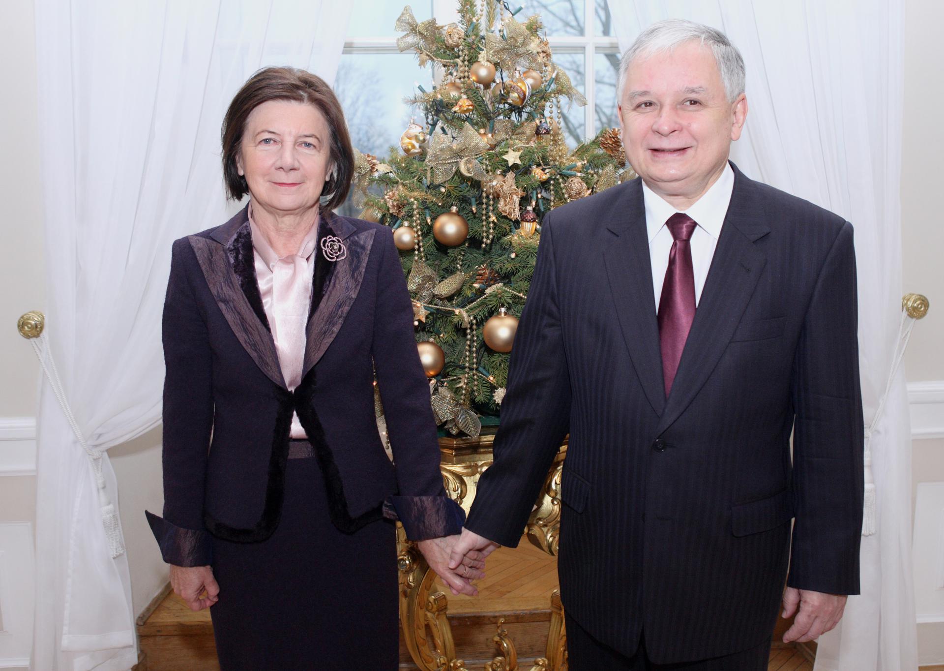 Znalezione obrazy dla zapytania kaczyński z żoną
