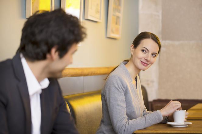 Co oznacza absolutne randkowanie