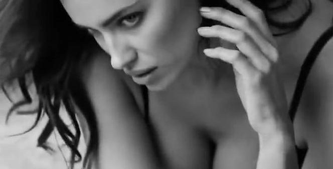 a4c2571877d1e2 Piekielnie seksowna Irina Shayk w reklamie bielizny Intimissimi ...