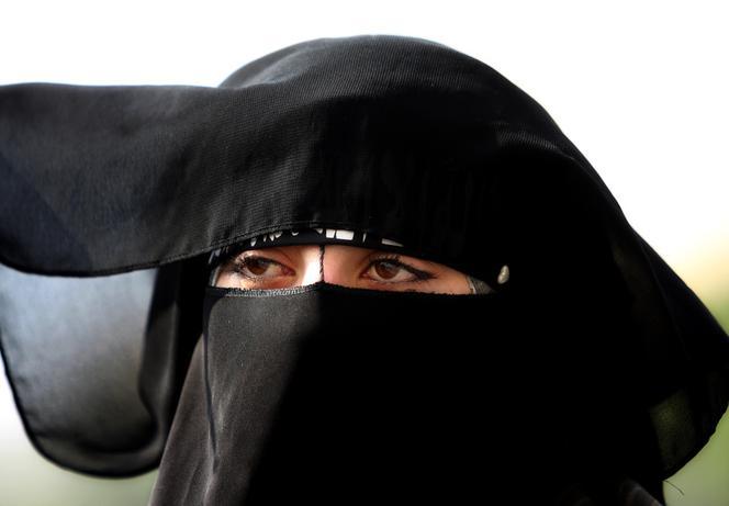 Umawianie się z żonatym mężczyzną w islamie