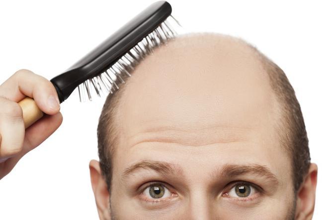 jak długo wypadają włosy po narkozie