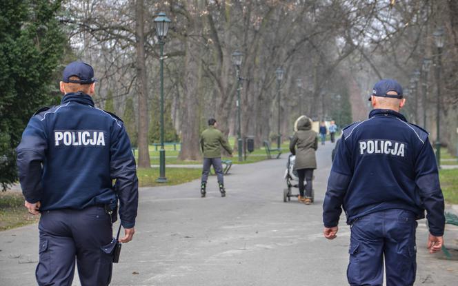 Tak krakowscy policjanci walczą z koronawirusem
