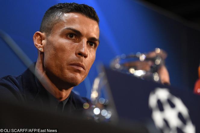 f12f24560 Cristiano Ronaldo błysnął zegarkiem za miliony euro. Kibice wyśmiali ...