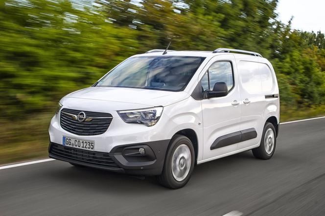 Samochody dostawcze marki Opel Combo Cargo i Combo Life