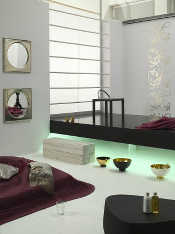 Sypialnia Minimalistyczna W Kolorze Białym I Czarnym