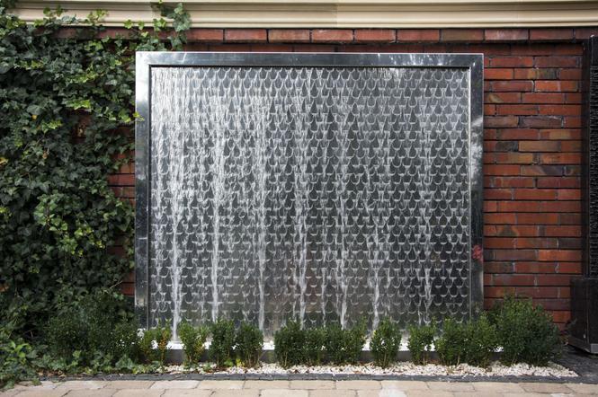 ściany Wodne W Ogrodzie Nowoczesne Dekoracje Wodne