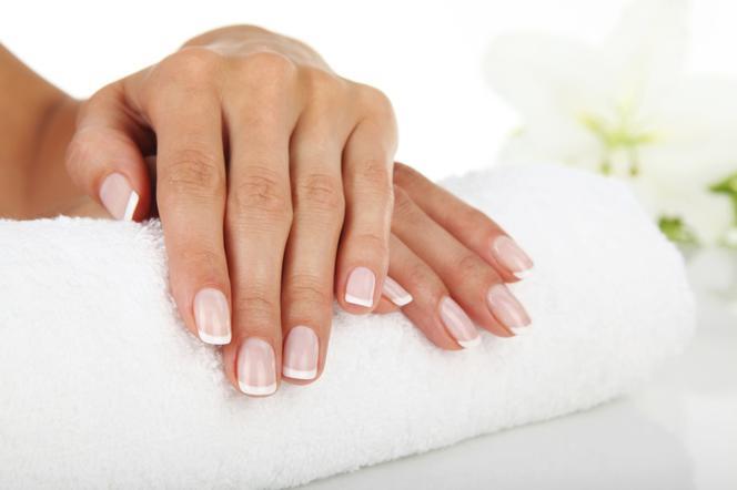 Jak Zrobić Francuski Manicure Krok Po Kroku Poradnikzdrowiepl