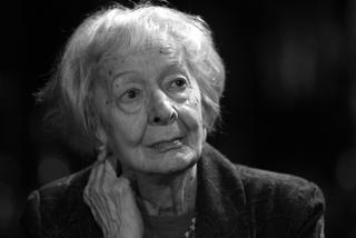Wisława Szymborska Umarła We Własnym Mieszkaniu W Krakowie