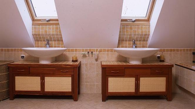 Jak Urządzić Dużą łazienkę Na Poddaszu Zobacz Propozycje Na