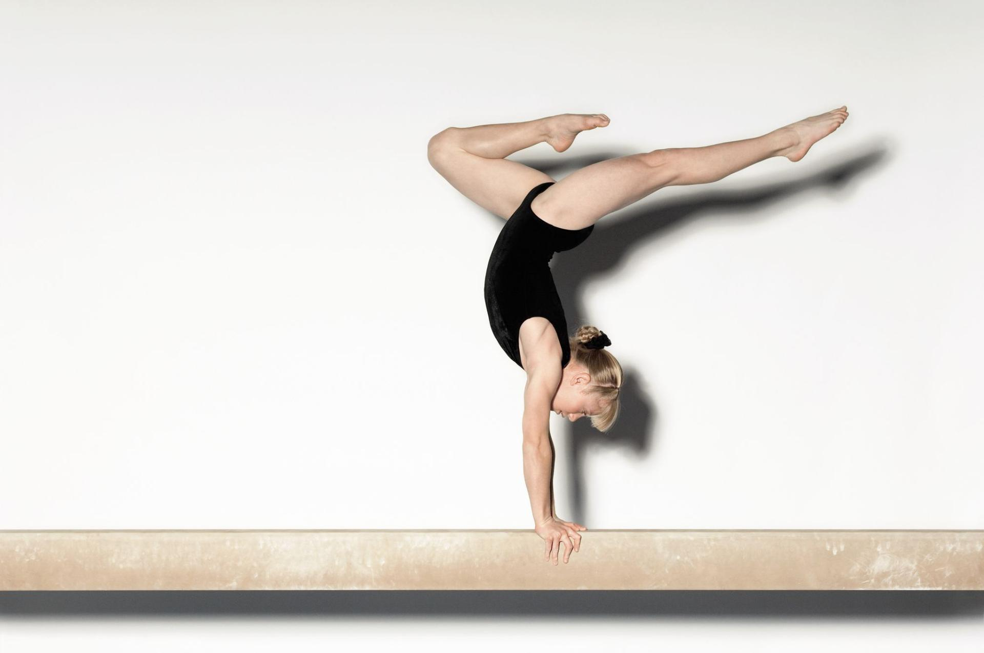 Akrobatyka gimnastyka pomaga schudnąć