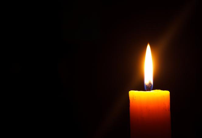 Znalezione obrazy dla zapytania: zmarła świeczka