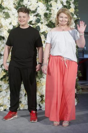 Dominika Ostałowska i jej syn Hubert Zduniak