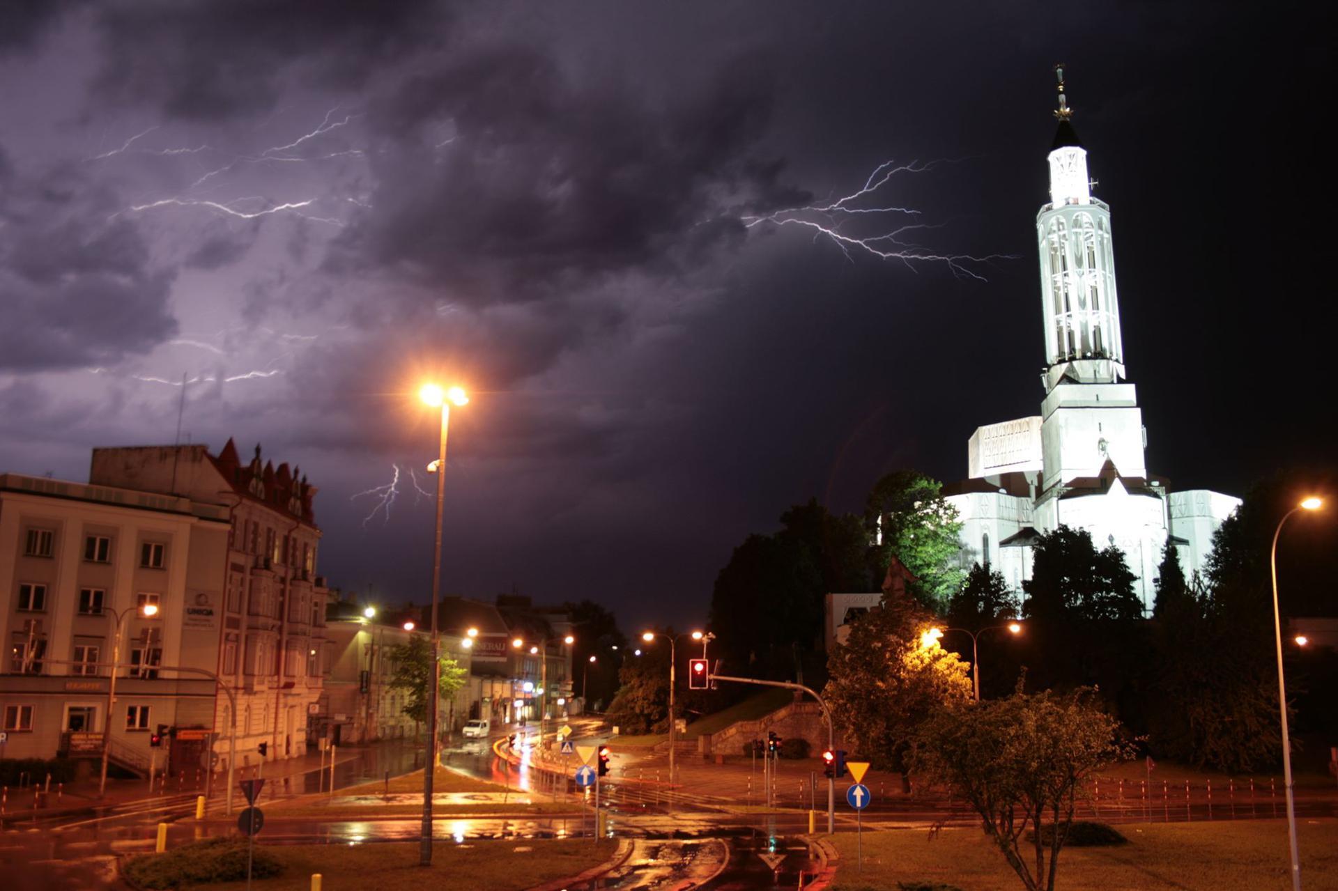 Radar burz online. Zobacz, gdzie jest burza - Białystok, Super Express