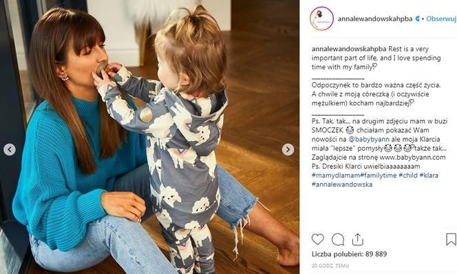 8e5755423 Klara Lewandowska wsadziła mamie smoczek do buzi. Anna komentuje ...