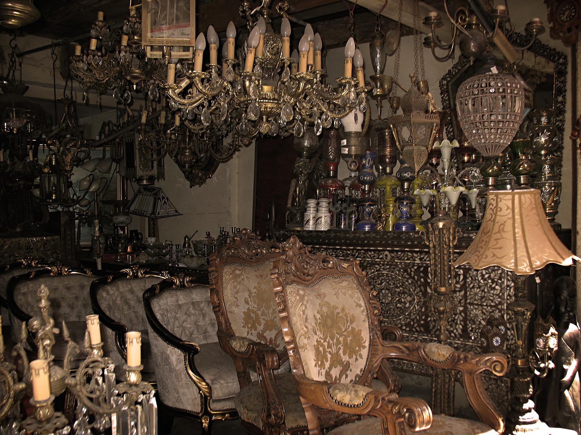 Stare krzesła antyczne drewniane solidne antyk antyki