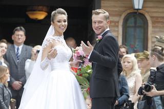 14af36ba29 Suknia ślubna Agnieszki Szczurek. Jaką suknię wybrała żona Kuby  Wesołowskiego