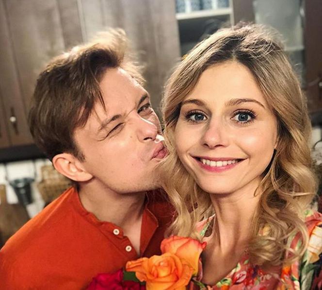 Colors of happiness after holidays 2019. Hubert (Marek Molak), Iwona (Isabella Zwierzyńska)