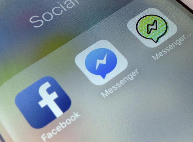 Facebook Błyskawica I Klepsydra Przy Nazwie Znajomego Co