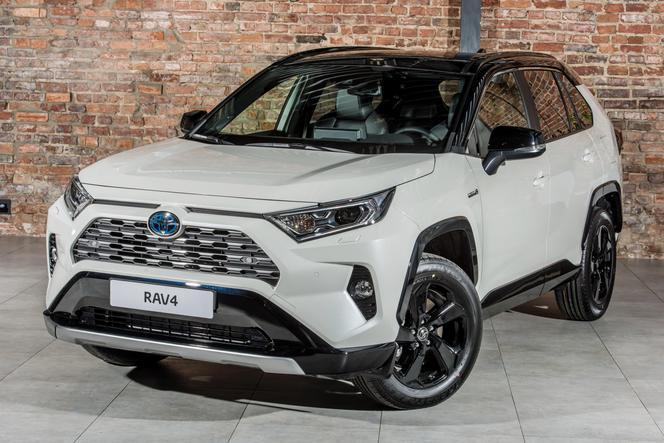 2019 Toyota Rav4 Pełny Cennik I Wyposażenie Piątej Generacji Suv A