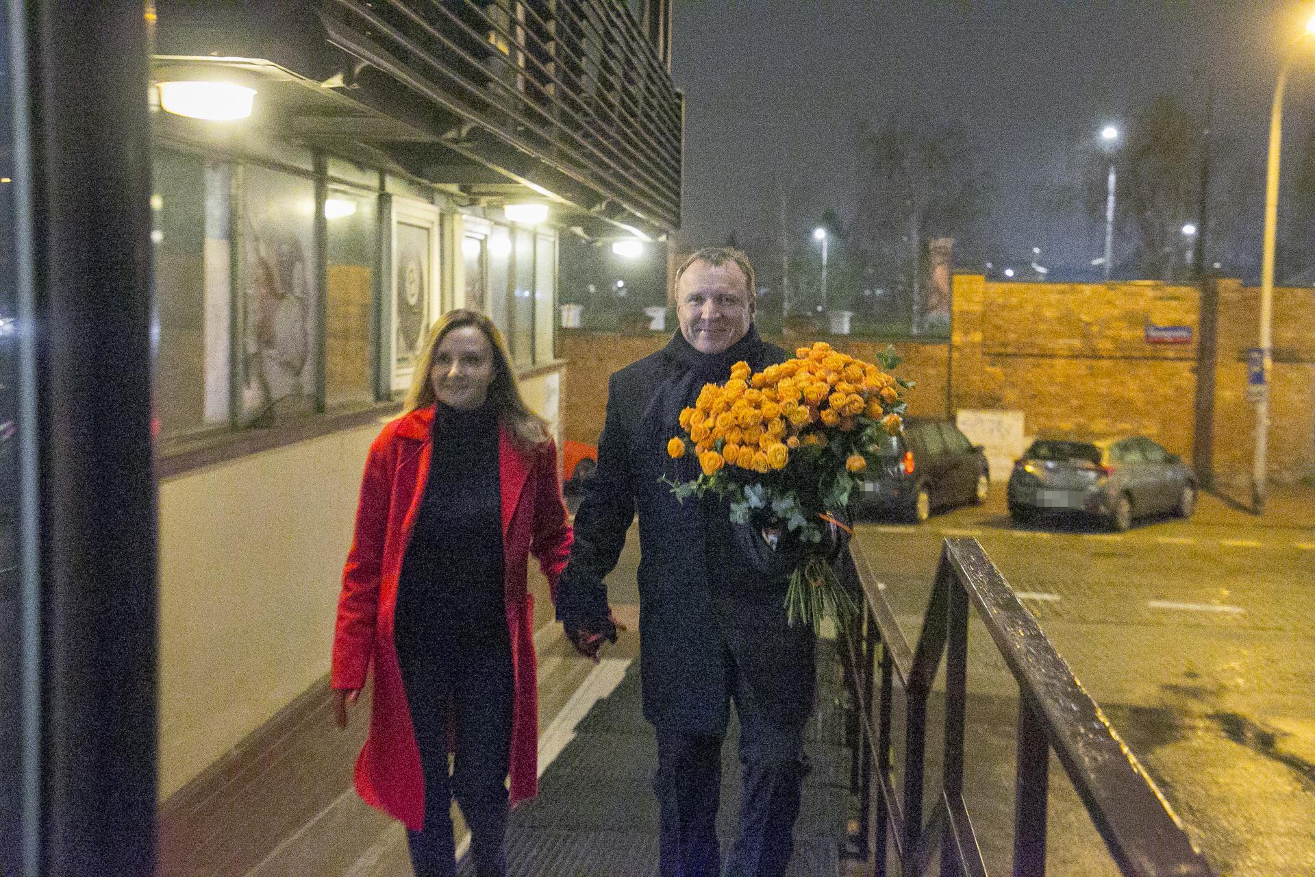 Prezes Kaczyński w szpitalu, a najważniejsi w PiS na imieninach pani Basi! [DUŻO ZDJĘĆ] - Super Express