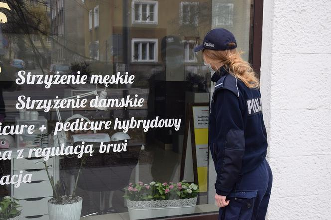 Policja kontroluje przestrzeganie obostrzeń w Krakowie