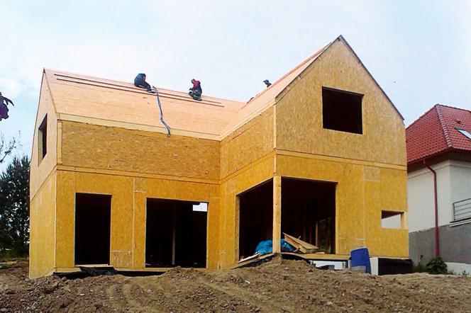 Modne ubrania Dom prefabrykowany z płyt drewnopochodnych: ekspresowa budowa domu ET72