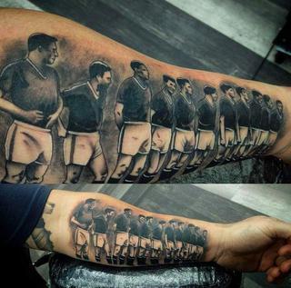 Katastrofa Samolotu Piłkarzy Manchesteru United Niezwykły Tatuaż
