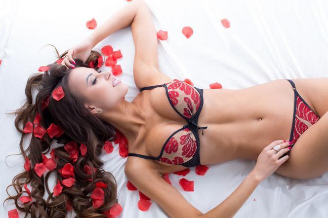 wykręcone filmy erotyczne duży kutas crossdressers