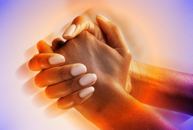 wypadanie włosów drżenie rąk