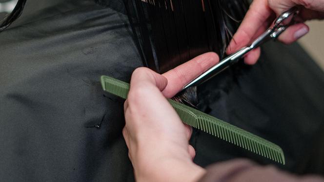 WARSZAWA: od kiedy otwarte salony fryzjerskie zmiany po regionalizacji obostrzeń