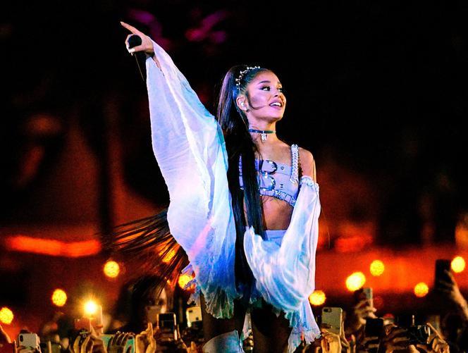 Ariana Grande Zakryła Kolejny Tatuaż Tym Razem Na Palcu