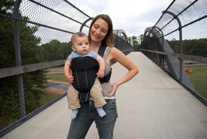 e8b9dd57f07fb Nosidełko: jakie nosidełko dla dziecka wybrać? [TOP 10 nosidełek ...
