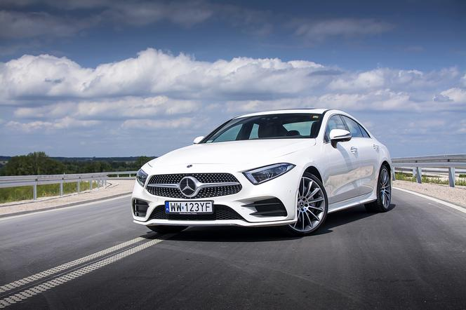 Test mercedes benz cls 400d 4matic 9g tronic klasa szyk for Benz sport katalog