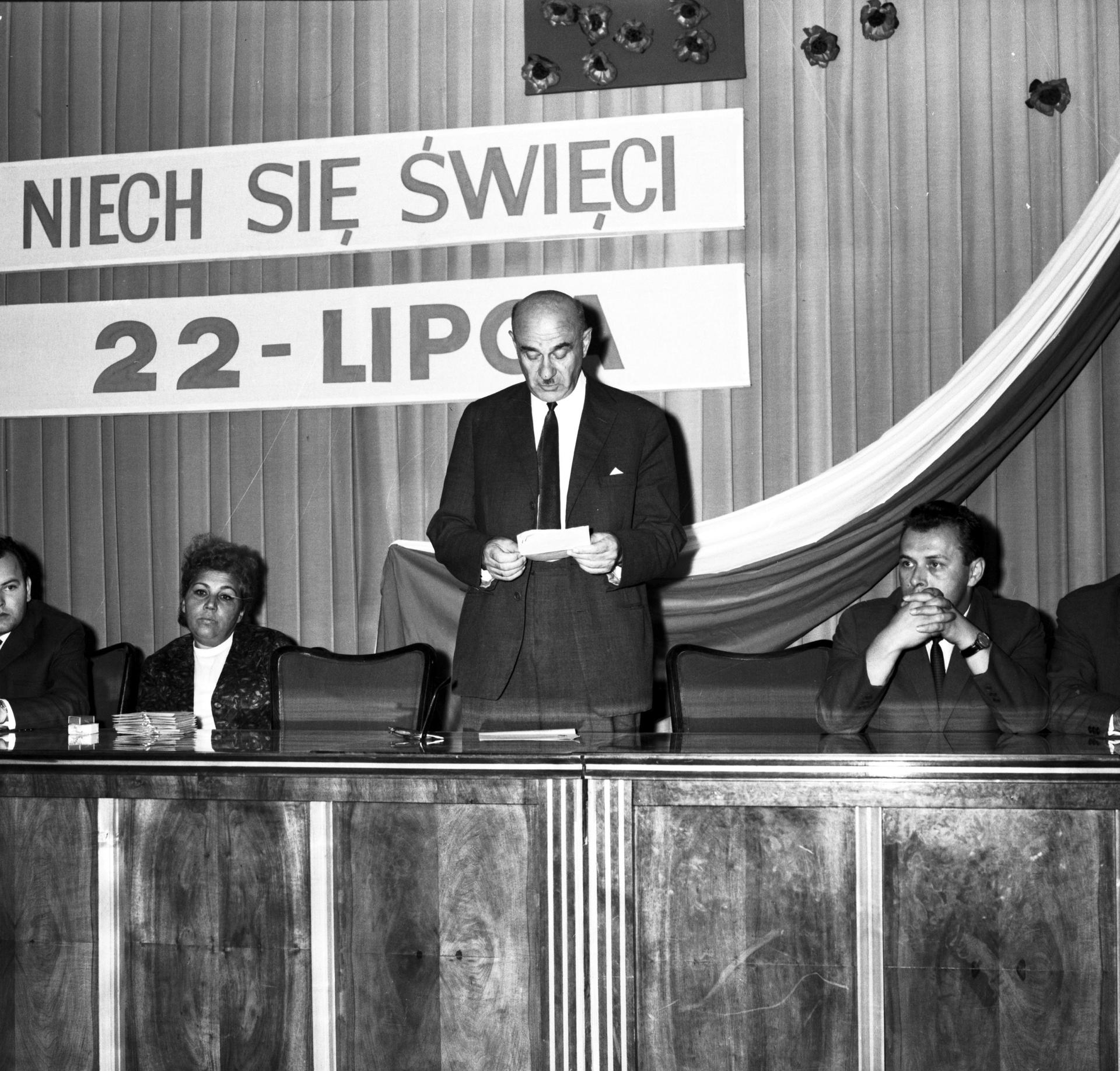 Najważniejsze święto Polski Ludowej zapomniane? Co upamiętniała data 22 lipca? [DUŻO ZDJĘĆ] - Łódź, Super Express