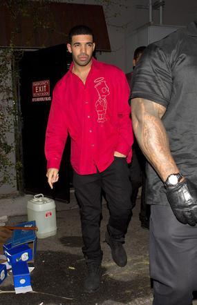 Rihanna randkuje Drake 2015 randki mercure maidstone