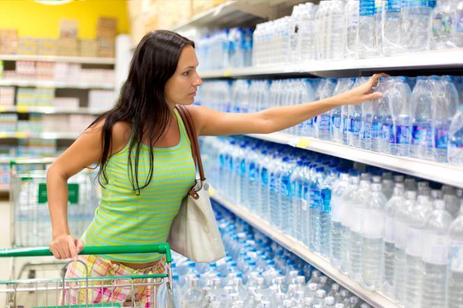 Jak pozbyć się nadmiaru wody z organizmu? Skuteczne sposoby na zatrzymanie wody w organizmie