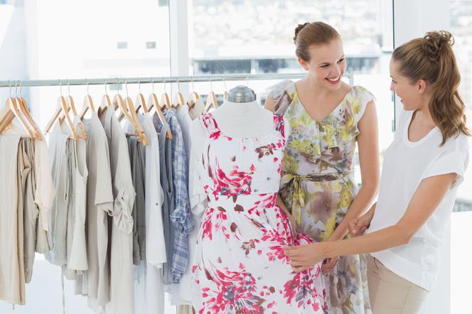 4905a4826d Sukienki na komunię dla mamy  jakie wybrać   10 propozycji ...