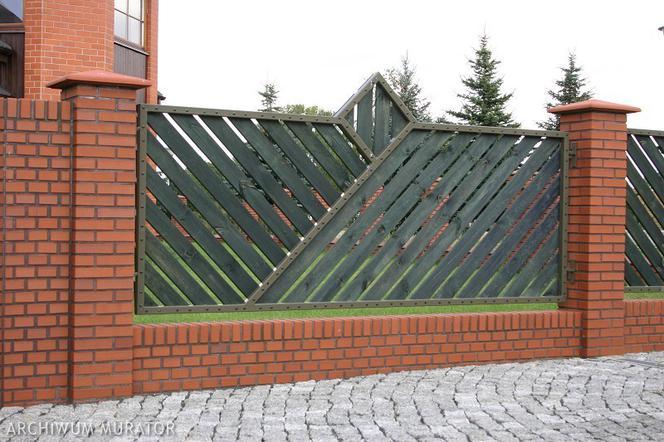 Tylko na zewnątrz Fundament pod ogrodzenie. Zrób solidny fundament pod płot - murator.pl AH54