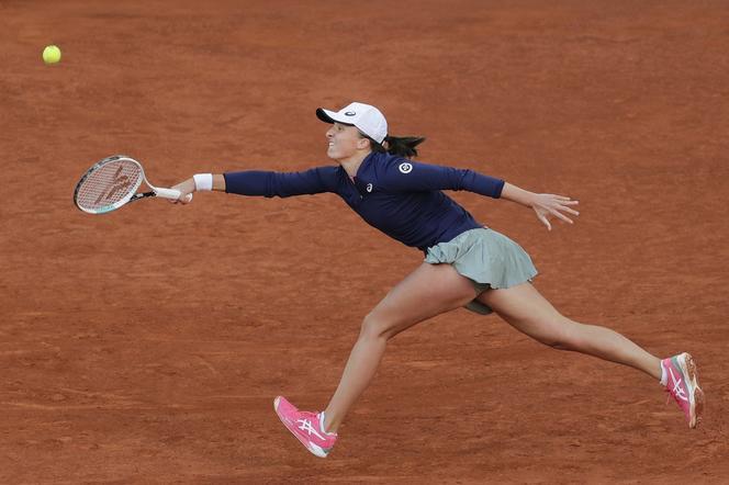 tenis świątek na żywo