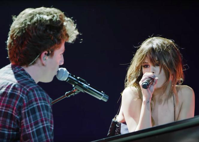 screen z filmu Charlie Puth & Selena Gomez - We Don't Talk Anymore [Official Live Performance]