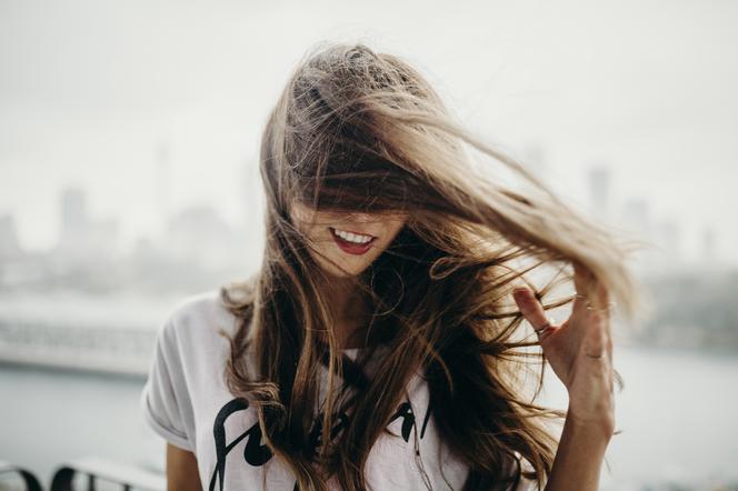 jak wzmocnić włosy po porodzie