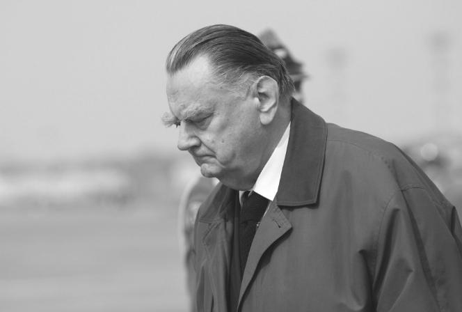 Żałoba Narodowa: ŻAŁOBA NARODOWA Po śmierci Jana Olszewskiego