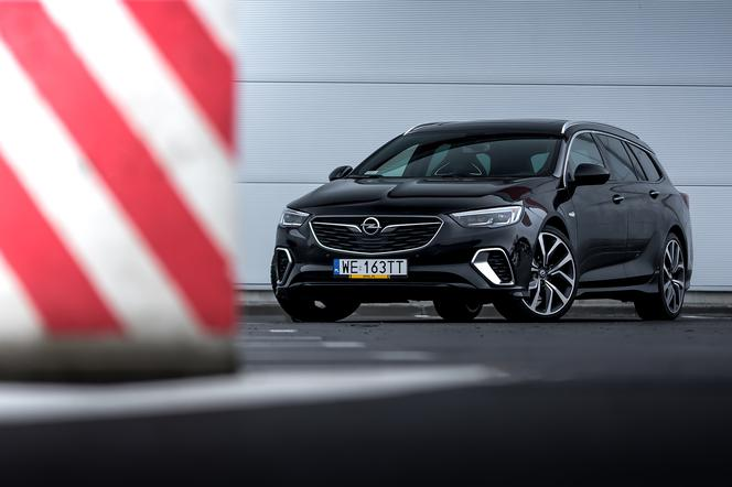 Opel Insignia GSi Sports Tourer 2.0 CDTi 210 KM AT8 AWD
